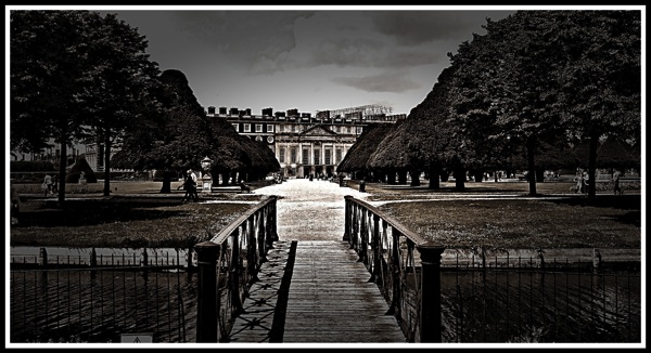 Hampton Court Palace 1