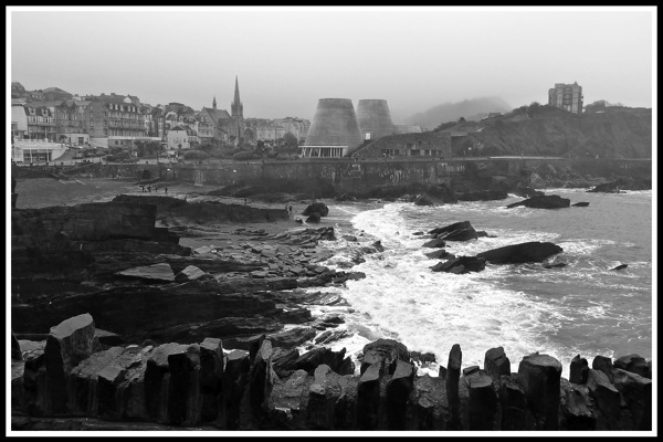 A black and white photo of ilfracombe bay