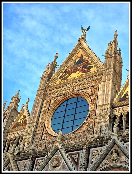 a view of the stunning Siena Cathedral 3